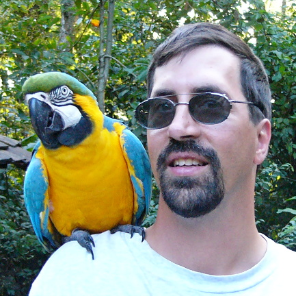 Ted and macaw 2